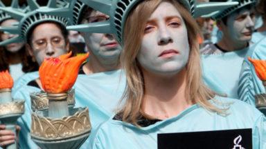 Statues de la liberté, clowns… : de nombreuses manifestations face à Donald Trump à Bruxelles