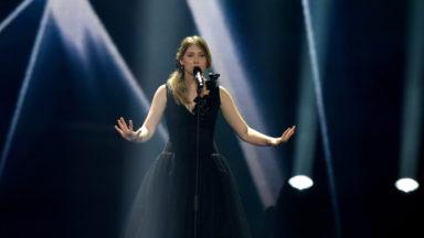 Avant ses examens, Blanche atteint la 14e place des meilleures ventes sur iTunes