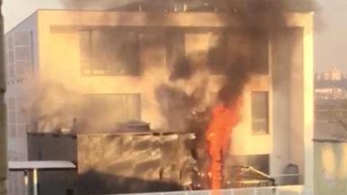 Incendie près de l'école 6 de Molenbeek : voici la lettre envoyée par la commune aux parents d'élèves