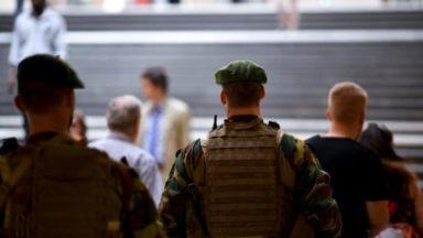 La présence militaire renforcée dans nos rues, «nécessaire», «pas démocratique», le débat est ouvert