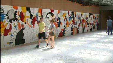 Les jeunes du centre Avicenne colorent Bruxelles-Nord grâce à une fresque murale