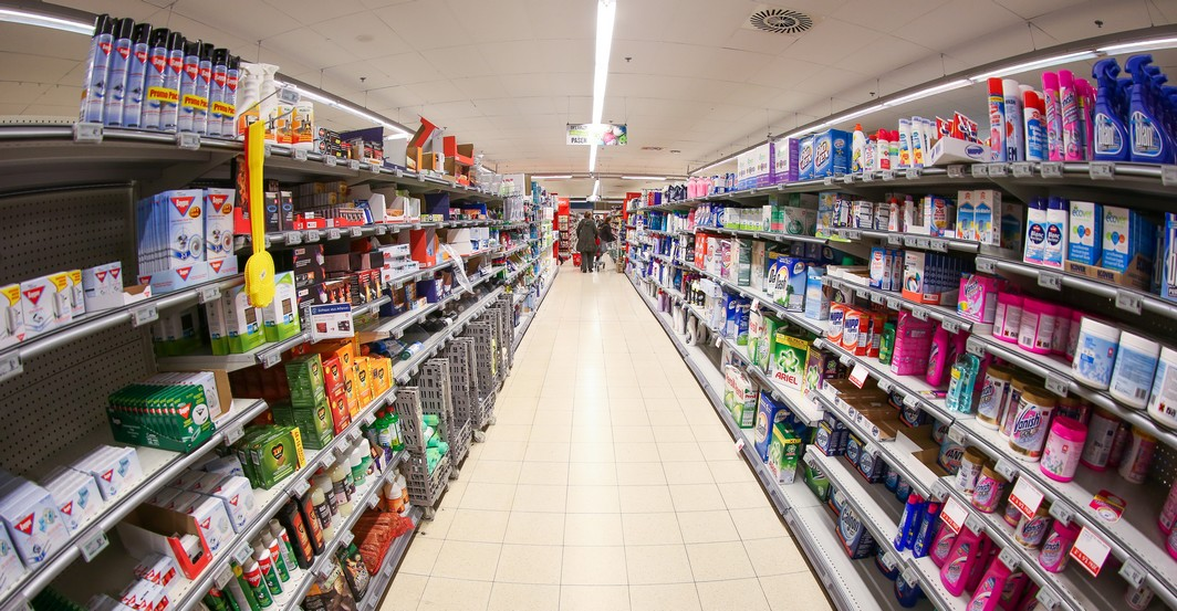 20150407 - BRUSSELS, BELGIUM: Illustration picture shows Delhaize Supermaket store Karreveld, in Brussels, Tuesday 07 April 2015. BELGA PHOTO BRUNO FAHY