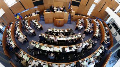 Les femmes représentent 43,8% des élus au Parlement bruxellois