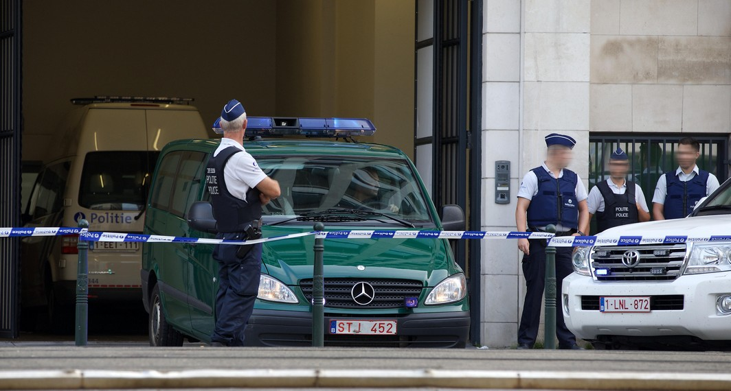 Police pictured outside the council chamber in Brussels, where the terrorism case of the March 22 attacks in Brussels and Zaventem will be handled, Thursday 01 September 2016. Youssef E.A., Ali E.H.A., Bilal E.M., Mohamed Abrini, Herve B.M., Ossama K. and Ibrahim F. are accused of involvement in terrorist activities. BELGA PHOTO NICOLAS MAETERLINCK