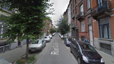 Cinq voitures incendiées dans le même périmètre à Saint-Gilles