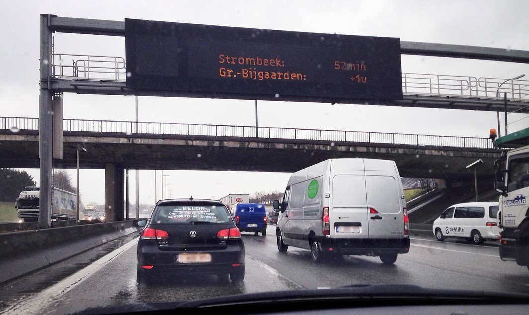 SMARTPHONE PICTURE - BEST QUALITY AVAILABLE 20150225 - BRUSSELS, BELGIUM : Illustration picture shows a traffic jam on the R0 ring highway around Brussels , Wednesday 25 February 2015, in Brussels. BELGA PHOTO LAURIE DIEFFEMBACQ