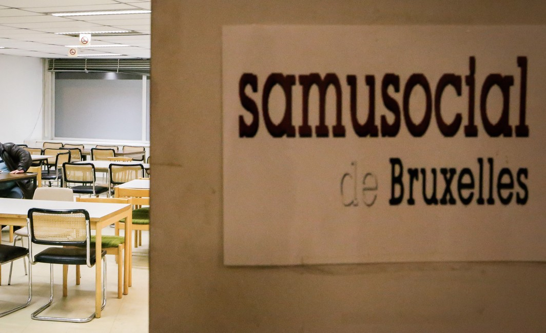 20131121 - BRUSSELS, BELGIUM: Illustration shows homeless in a Samusocial building in the 139-141 Rue Royale - Koningsstraat in Brussels, which welcomes homeless in winter, after the signing of the new convention between communautary commission (Commission Communautaire Commune - Gemeenschappelijke Gemeenschapscommissie), Brussels public center for social aid (CPAS - OCMW) and SamuSocial, for the upcoming winter plan in the Brussels region, Thursday 21 November 2013.  BELGA PHOTO BRUNO FAHY