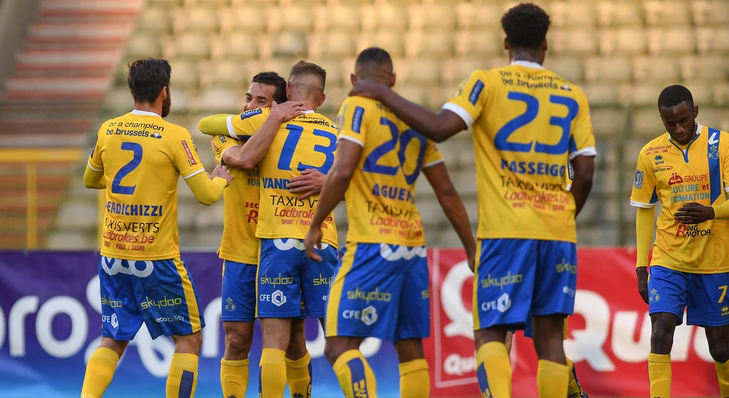 Union's players celebrate after scoring during the Jupiler Pro League match between Union Saint-Gilloise and Waasland-Beveren, in Brussels, Friday 19 May 2017, on the last day of the Play-off 2A of the Belgian soccer championship. BELGA PHOTO LUC CLAESSEN
