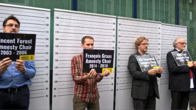 Les présidents d'Amnesty menottés devant l'ambassade de Turquie
