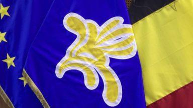 Le parlement bruxellois demande au gouvernement de clarifier la position du cdH
