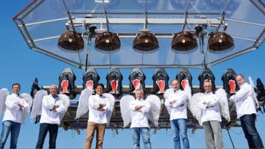 Quatorze chefs dans les cieux pour «Dinner in the sky»