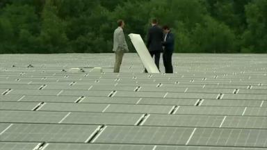 Auderghem: les 3450 panneaux solaires du toit du centre sportif de la forêt de Soignes fonctionnent