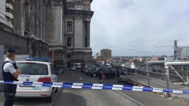 Évacuation du Palais de justice: le véhicule suspect contient plusieurs frigobox