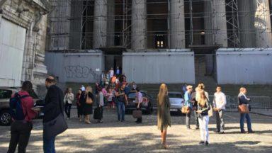 Jugement d'un couple qui avait laissé son enfant sur un balcon: le Palais de justice évacué avant le jugement