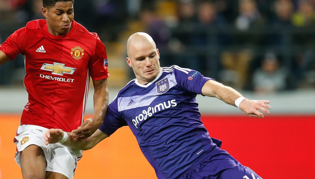 Anderlecht's Kara Mbodji, Manchester's Marcus Rashford and Anderlecht's Bram Nuytinck fight for the ball during a soccer game between Belgian team RSC Anderlecht and English club Manchester United F.C. in Brussels, Thursday 13 April 2017, the first leg of the quarter finals of the Europa League competition. BELGA PHOTO BRUNO FAHY