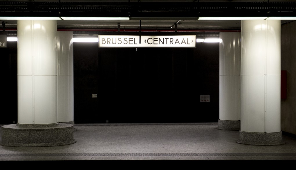 Illustration picture shows an empty Brussel Centraal / Bruxelles Central station during the temporary closure of the North-South railway passage during construction, Saturday 29 April 2017, in Brussels. BELGA PHOTO FILIP DE SMET