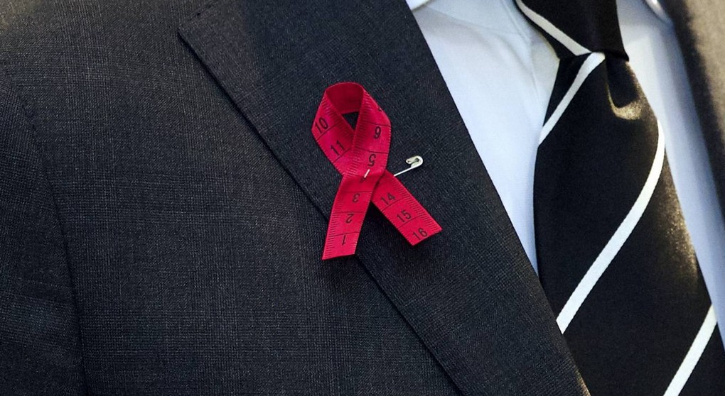 20150714 - BRUSSELS, BELGIUM: Fashion designer Edouard Vermeulen pictured during the presentation of the Pink Ribbon designed by Edouard Vermeulen of Natan, in Brussels, Tuesday 14 July 2015. The Pink Ribbon is an international symbol of breast cancer awareness. BELGA PHOTO NICOLAS MAETERLINCK
