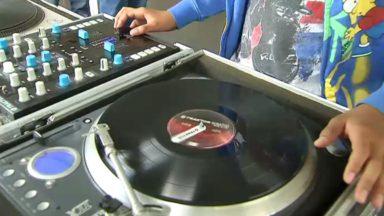 DJ, graffitis, rap… : divers stages artistiques organisés pour les jeunes au Bozar