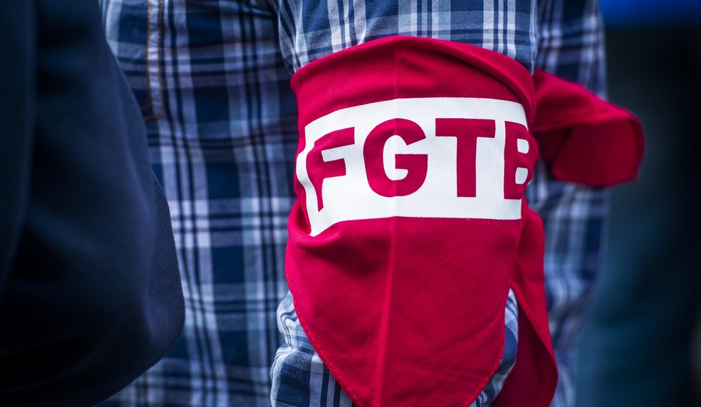 20150624 - BRUSSELS, BELGIUM: Illustration shows FGTB logo at a trade union protest against social dumping in Brussels, Wednesday 24 June 2015. BELGA PHOTO LAURIE DIEFFEMBACQ