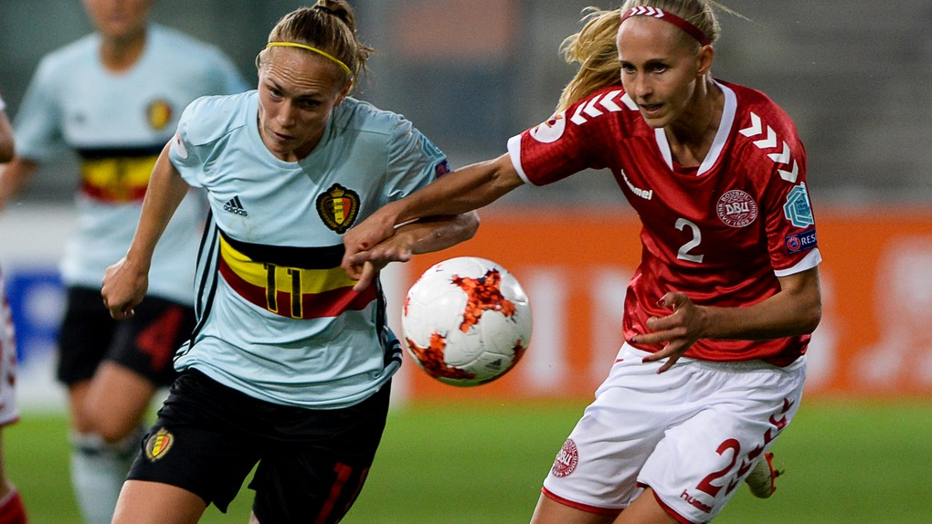 Belgium's Janice Cayman and Denmark's Line Roddik Hansen fight for the ball during a soccer game between Belgian national women's soccer team Red Flames and Denmark, the first game in group A in the group stage of the Women's European Championship 2017 in the Netherlands, Sunday 16 July 2017 in Rheden, The Netherlands. BELGA PHOTO DAVID CATRY