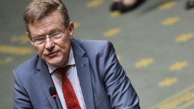 """Carrefour : des prépensions seraient """"un mauvais signal"""", pour le ministre des Finances"""