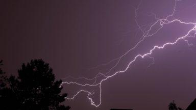 Alerte jaune pour des averses orageuses ce dimanche