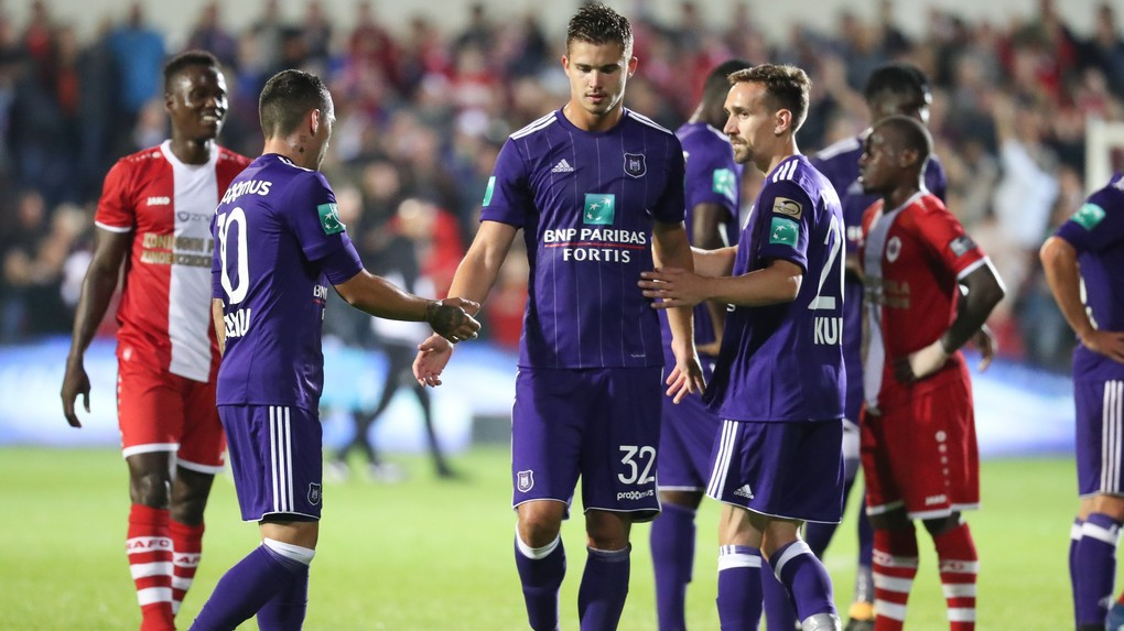 Anderlecht's Nicolae Stanciu, Anderlecht's Leander Dendoncker and Anderlecht's Sven Kums pictured after the Jupiler Pro League match between Royal Antwerp FC and RSC Anderlecht, in Deurne, Friday 28 July 2017, on the first day of the Jupiler Pro League, the Belgian soccer championship season 2017-2018. BELGA PHOTO VIRGINIE LEFOUR