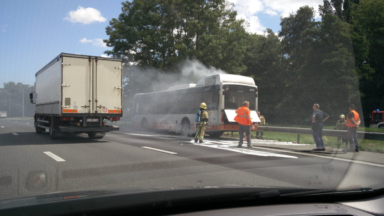 Un bus de la STIB prend feu sur le ring de Bruxelles