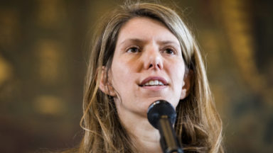 La députée-échevine Els Ampe fait ses débuts d'écrivain
