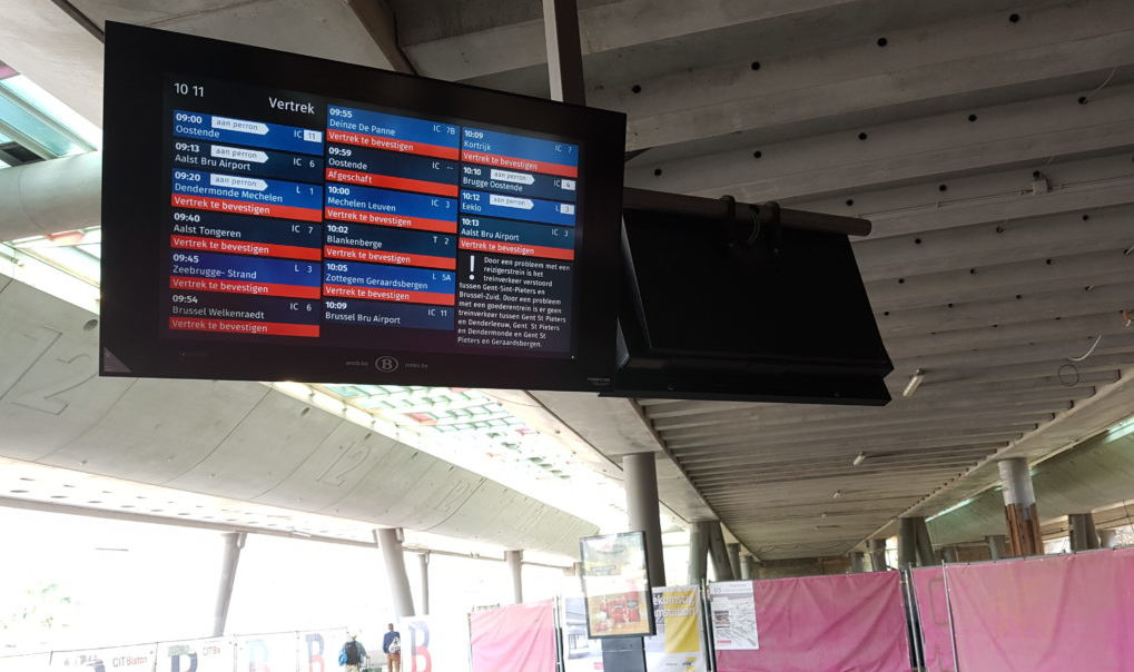 ATTENTION EDITORS - SMARTPHONE PICTURE - BEST QUALITY AVAILABLE  Illustration picture shows information screens on the platforms at the Ghent Sint-Pieter train station, announcing several delayed trains, Friday 07 July 2017. Due to two seperate technical incidents with trains on the lines between Ghent-Sint-Pieters and Brussels, and between Ghent-Sint-Pieters and Denderleeuw, Dendermonde and Geraardsbergen, several trains with hundreds of travellers are blocked.  BELGA PHOTO HENDRIK DEVRIENDT