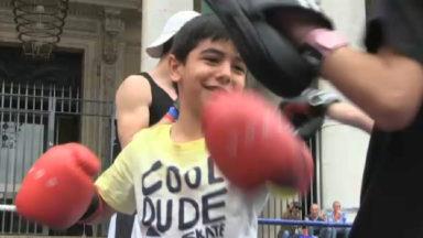 La place de la Bourse transformée en ring de boxe