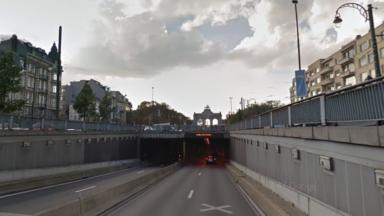 Le tunnel cinquantenaire fermé vers le centre en raison d'un accident