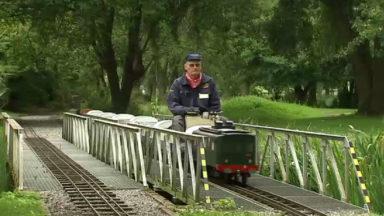 Le petit train de Forest: des bénévoles passionnés le mettent sur les rails