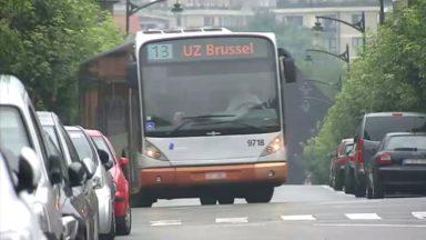"""Jette : le quartier du bois de Dieleghem """"en deuil"""" face aux bus déviés dans leurs rues"""