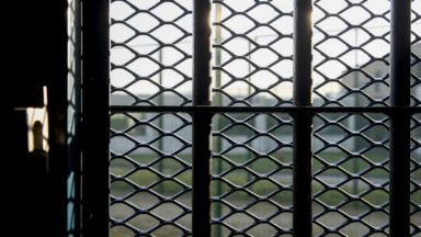 """Confinement : que deviennent les personnes """"libérées"""" des centres fermés ?"""