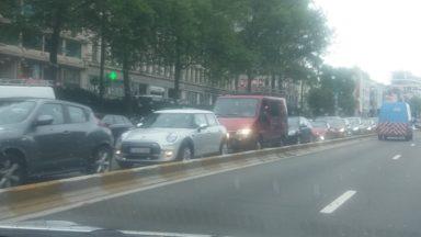 Embouteillages : un camion trop haut a bloqué la circulation à Yser, le tunnel Leopold II rouvert