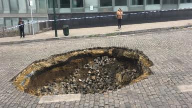 Bruxelles-Central : le trou de la rue Cardinal Mercier est enfin rebouché