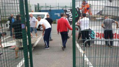 Le White Star indigné après la destruction de bâches du Stade Edmond Machtens par le RWDM