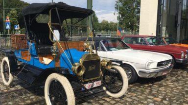 La célèbre Ford T de Tintin a paradé dans Bruxelles entourée d'autres ancêtres ce mardi 15 août