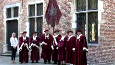 Anderlecht : une bannière séculaire datant de 1874 vient d'être restaurée