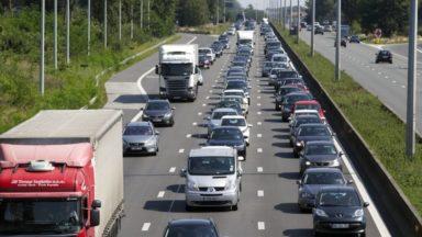 La E40 vers Bruxelles bloquée à hauteur de Wetteren à cause d'un camion sur le flanc