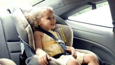 Près de 3 enfants sur 5 ne sont pas correctement attachés en voiture