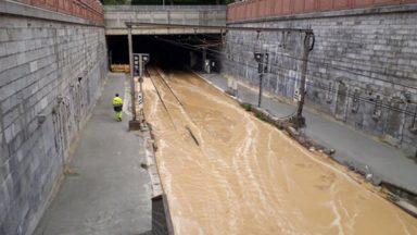 Rail inondé à Bruxelles-Schuman à cause d'une fuite d'eau : les trains déviés