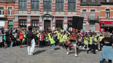 Marché annuel d'Anderlecht : le nouveau festival des arts de rue a surpris les passants