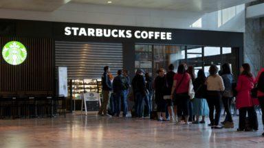 Une action dans plusieurs cafés Starbucks bruxellois suite au licenciement d'une employée