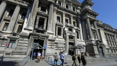 Report d'audiences jeudi à cause d'une porte du Palais de justice défaillante