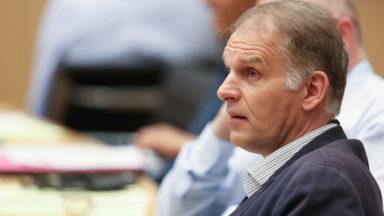 """Émeutes à Bruxelles : Alain Destexhe veut la """"suspension du financement public"""" du MRAX"""