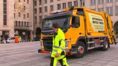 Un camion-poubelles du futur présenté au Mont des Arts