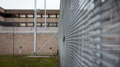 Grève dans les prisons : CSC et CGSP rassemblés devant Saint-Gilles