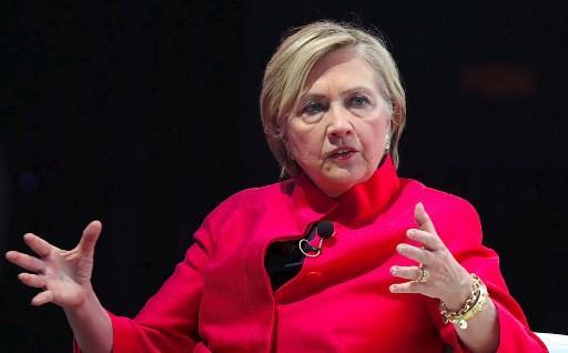 Etats-Unis: Deux enquêtes visent Obama et Clinton